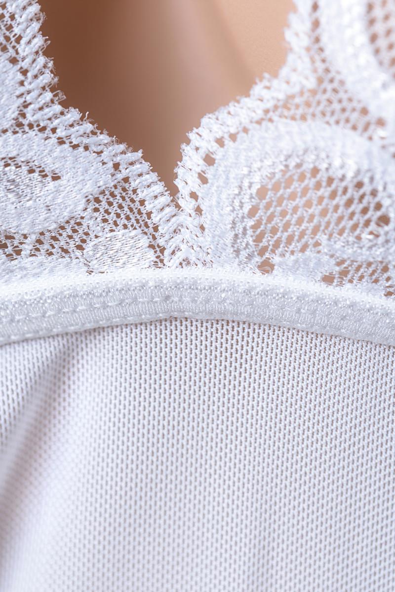Эротичная сорочка с разрезами на лифе и пажами