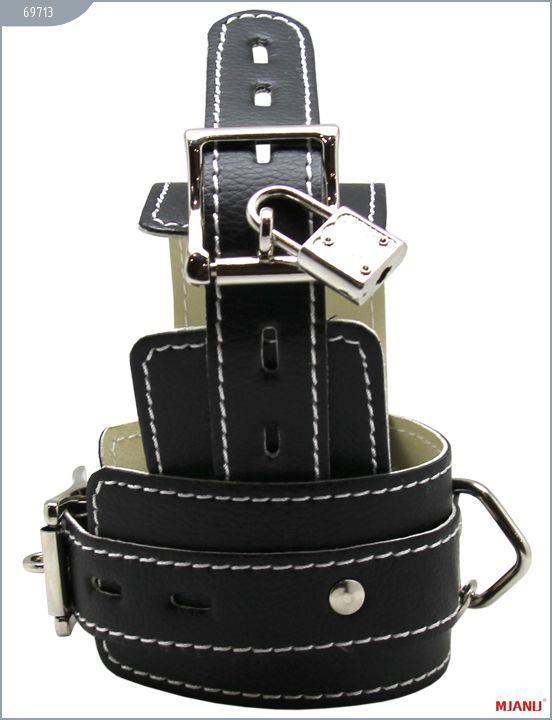 Чёрные кожаные наручники Mjanu с фиксацией