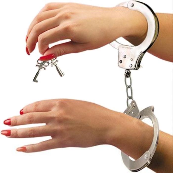 Эротический набор: наручники, плетка и маска