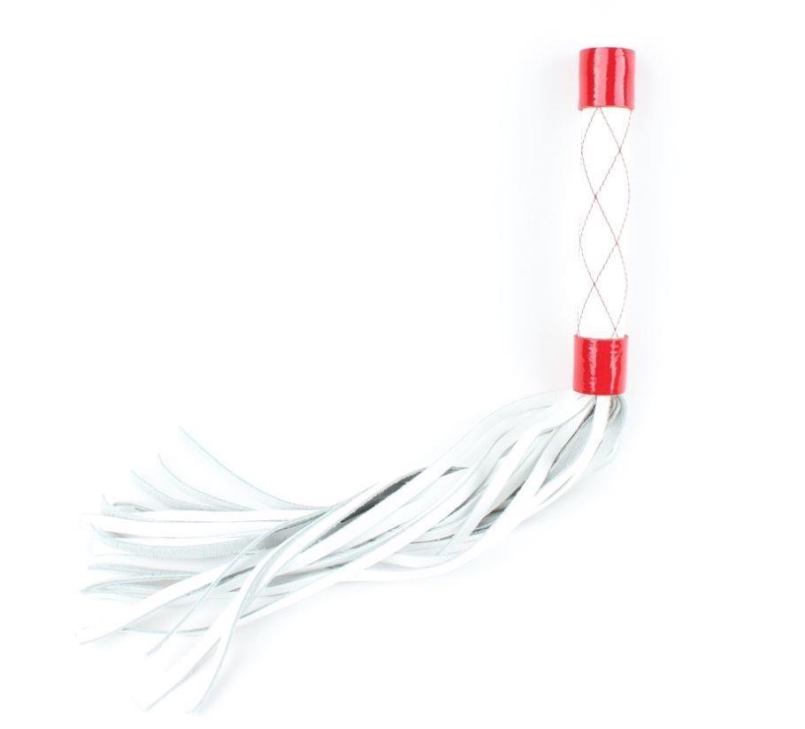 Бело-красная плеть средней длины с ручкой - 44 см.