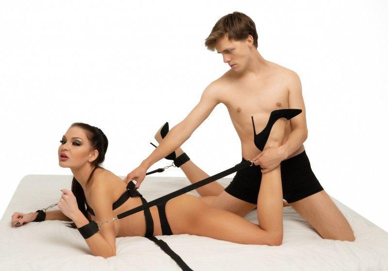 Черный бондажный набор строп с креплением на карабинах