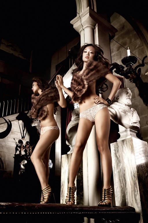 Кружевные стринги цвета слоновой кости Beauty Inside The Beast