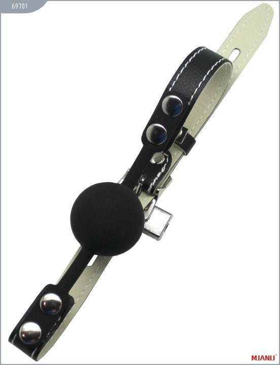 Чёрный силиконовый кляп с фиксацией черными кожаными ремешками