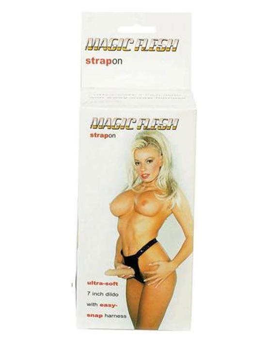 Женский страпон с реалистичной насадкой «MAGIC FLESH STRAPON»