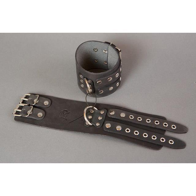 Широкие кожаные черные оковы без подкладки на ноги