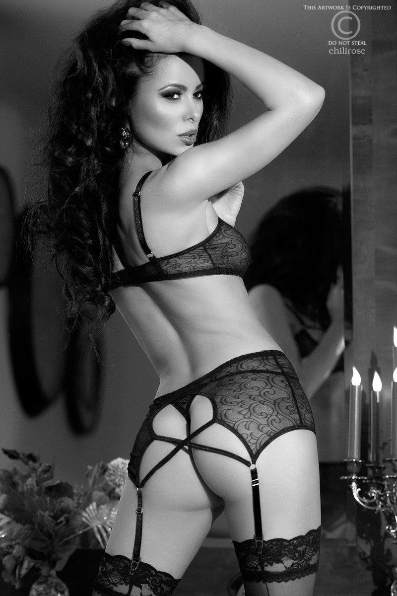 Сексуальный комплект белья с широким поясом для чулок