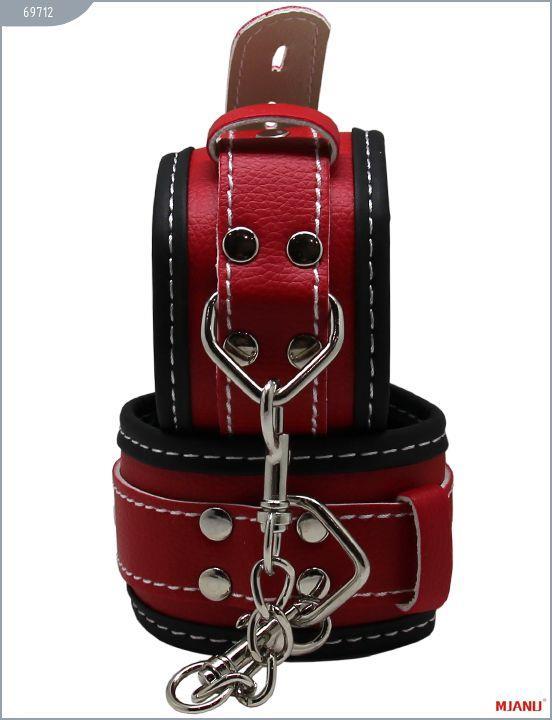 Чёрно-красные наручники Mjanu на мягкой подкладке с фиксацией