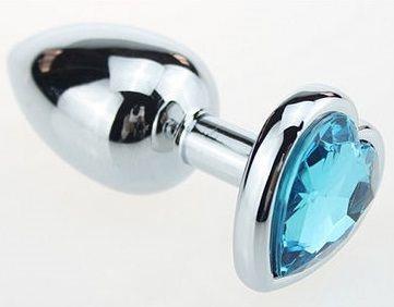 Серебристая анальная втулка с голубым кристаллом-сердцем (7 см)