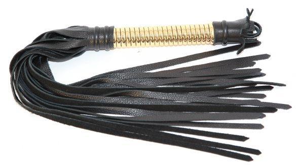 Чёрная плетка из натуральной кожи с золотистой отделкой рукояти
