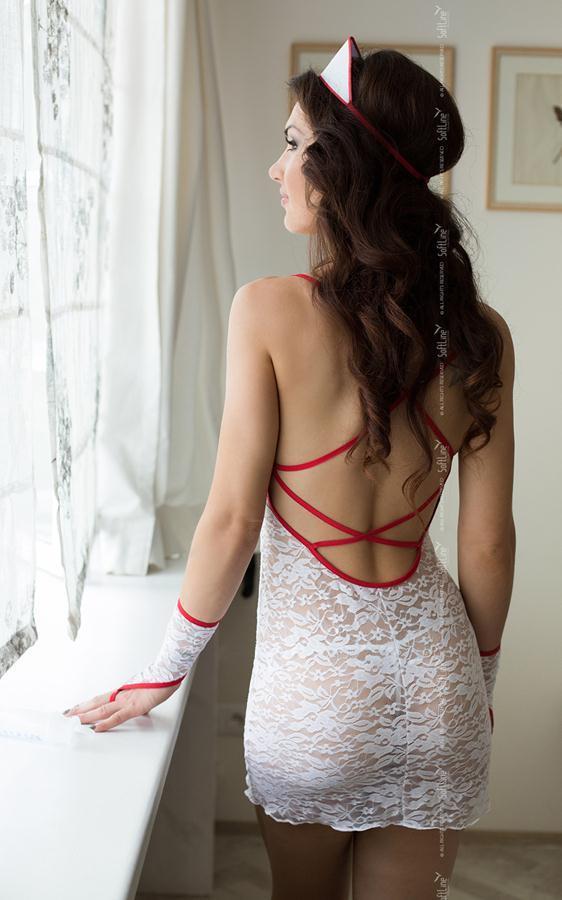 Ажурный костюм медсестры: сорочка, трусики-стринг, перчатки и чепчик