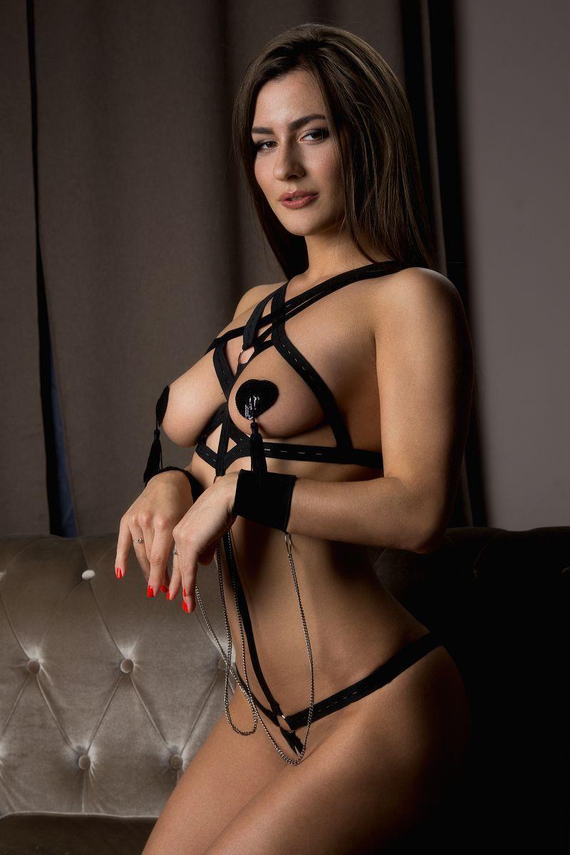 Откровенное боди Секси с наручниками