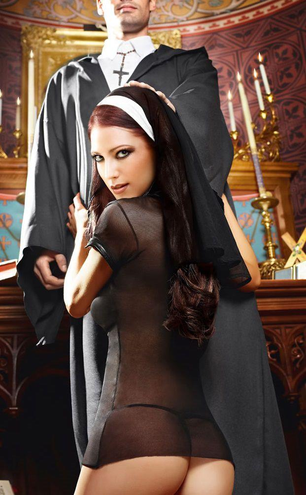 Игровой костюм очаровательной монашки