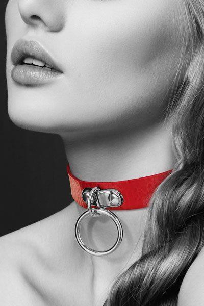 Красный узенький чокер с кольцом
