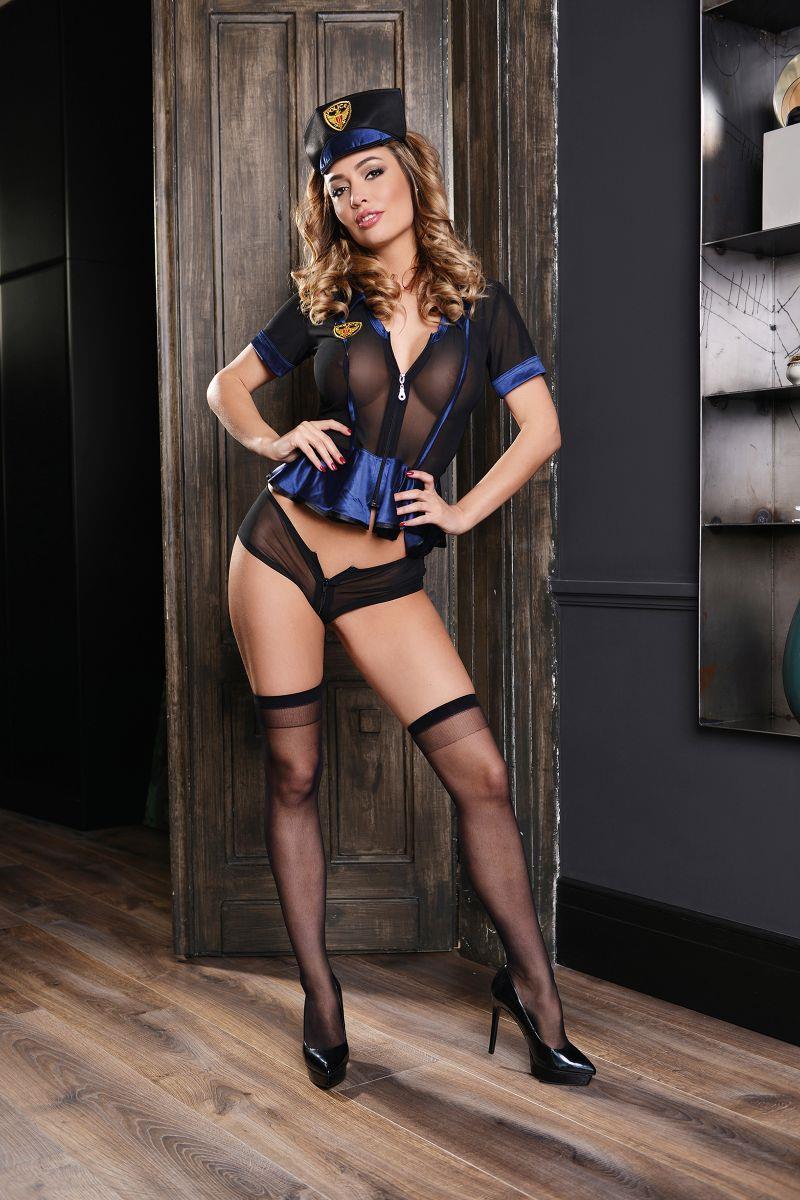 Чёрно-синий костюм полицейского
