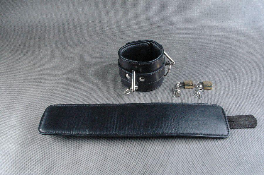 Чёрные подвёрнутые наножники из кожи