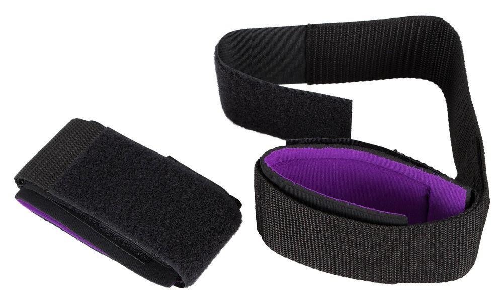 Черные манжеты на липучках для фиксации рук к бёдрам