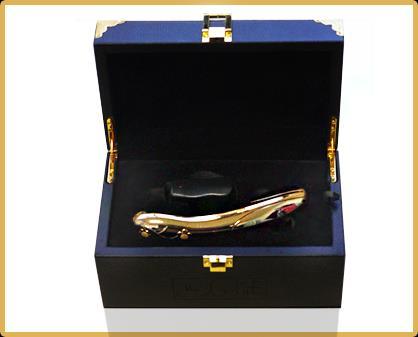 Золотой премиум-вибромассажер HONORADBLE Gold - 17,5 см.
