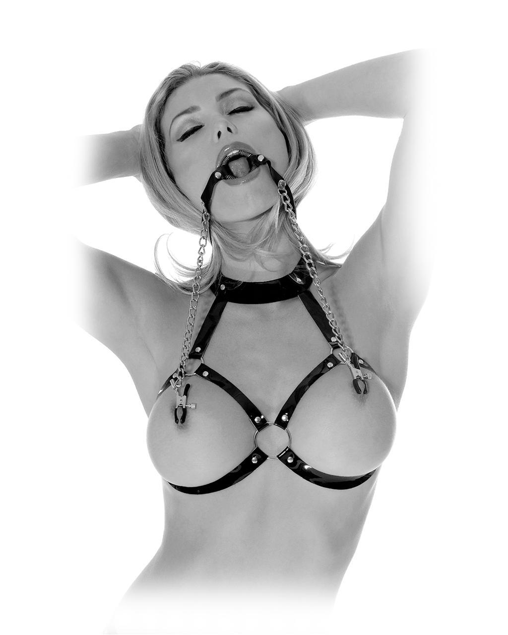 Кольцо-расширитель для рта с цепочками «O-Ring Gag & Nipple Clamps»