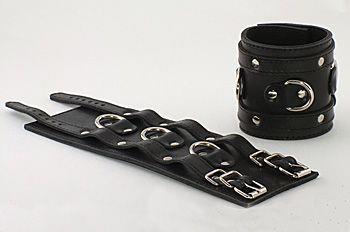 Широкие подшитые наручники с 2 ремешками и 3 сварными D-кольцами
